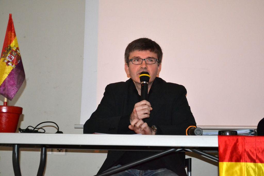 Le Secrétaire David LLAMAS à la tribune de l'Assemblée générale ordinaire de MER 47